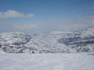 石打丸山スキー場 ゲレンデ前のペンション