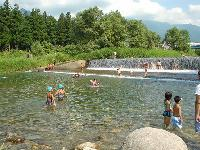 川遊びができるペンション